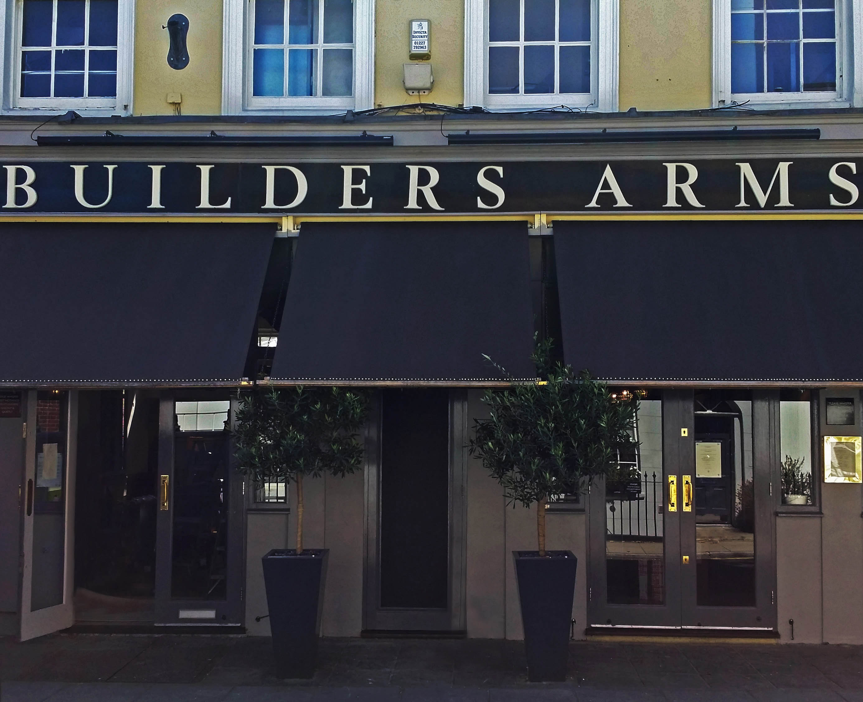 Traditional-awning-recover-builders-arms