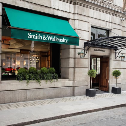 Classic Greenwich Awning® for Smith & Wollensky's London flagship score