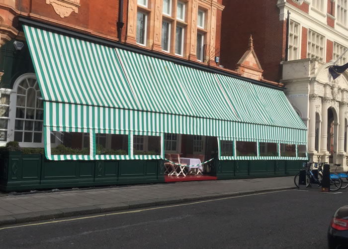 A unique, historical, awning for Harry's Bar