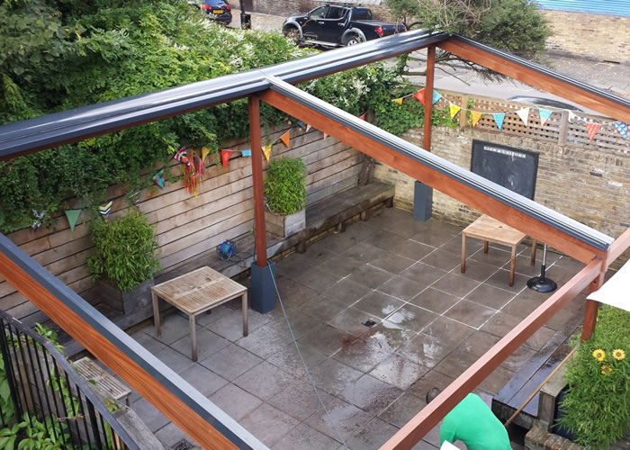 Bellfort Awning® Terrace Awning for The Lion & Unicorn fully retracted