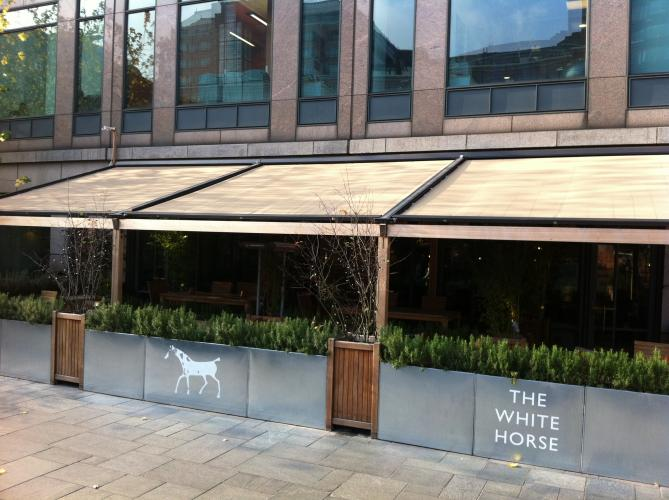 White Horse using the Bellfort Roof Awning® solution