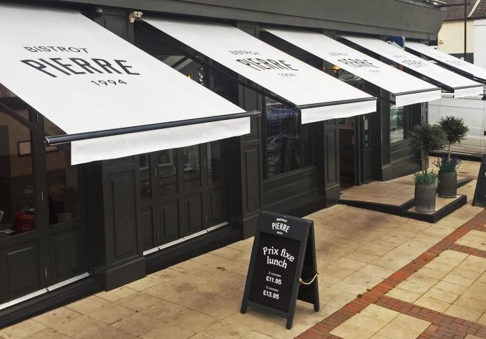 Classic Folding-Arm Awnings for Le Bistrot Pierre