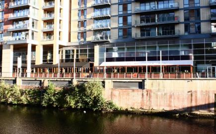 Fremantle Sepele® terrace awning for Spinningfields canal side development